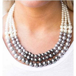Paparazzi pearl necklace